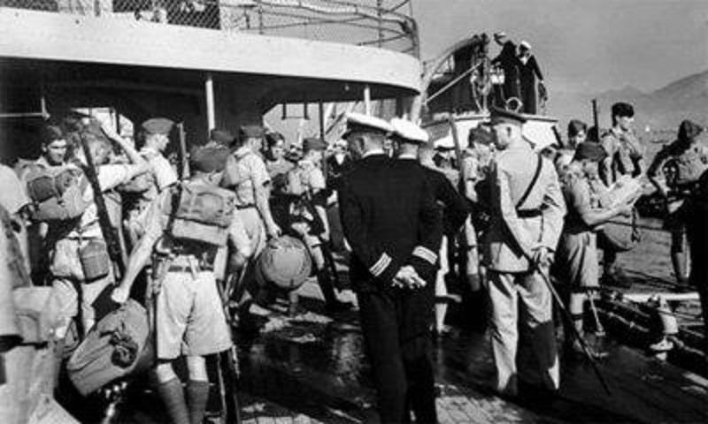 加軍準備從尖沙咀藍煙囪貨倉碼頭